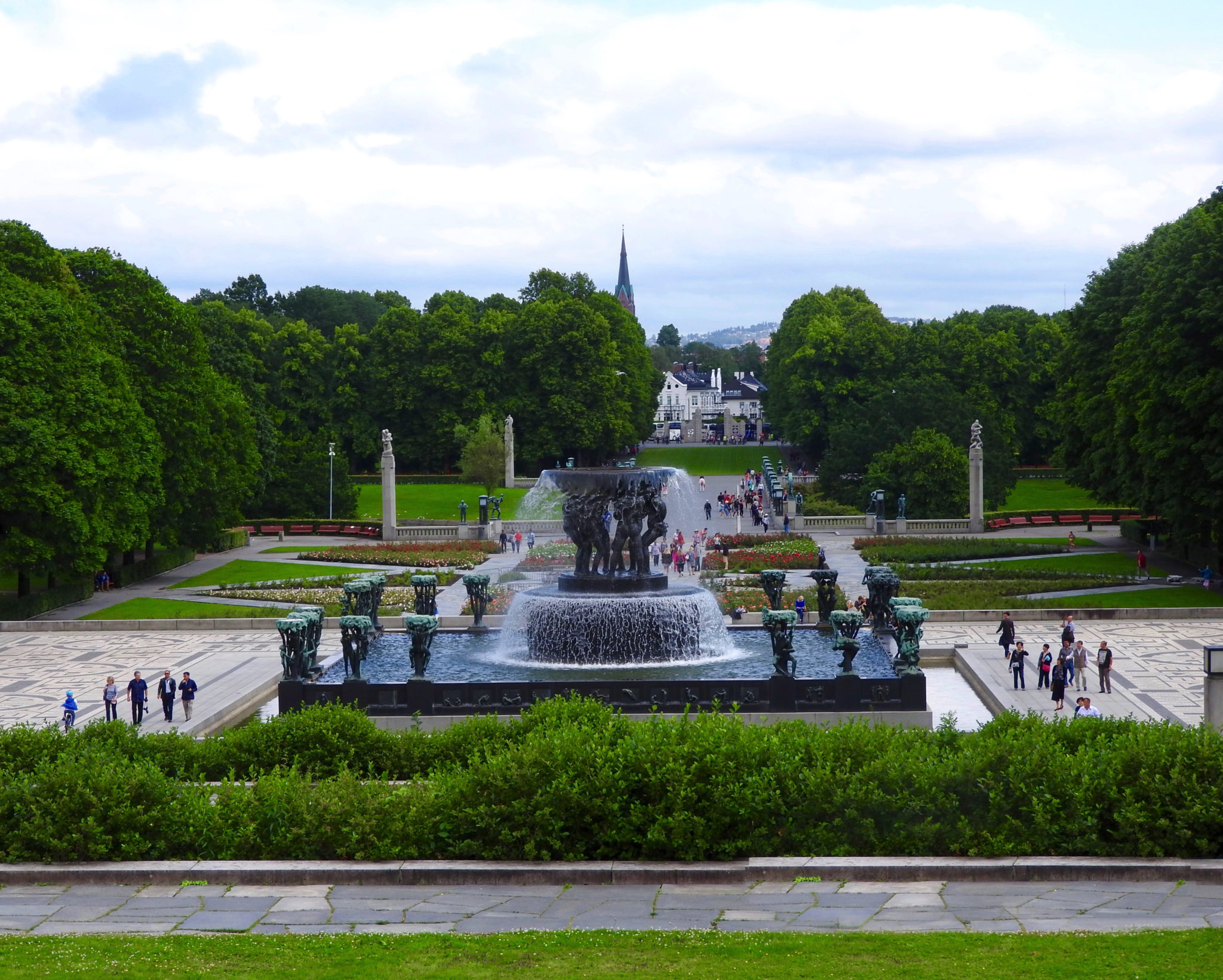 Frogner Park view from entrance Vigeland fountain