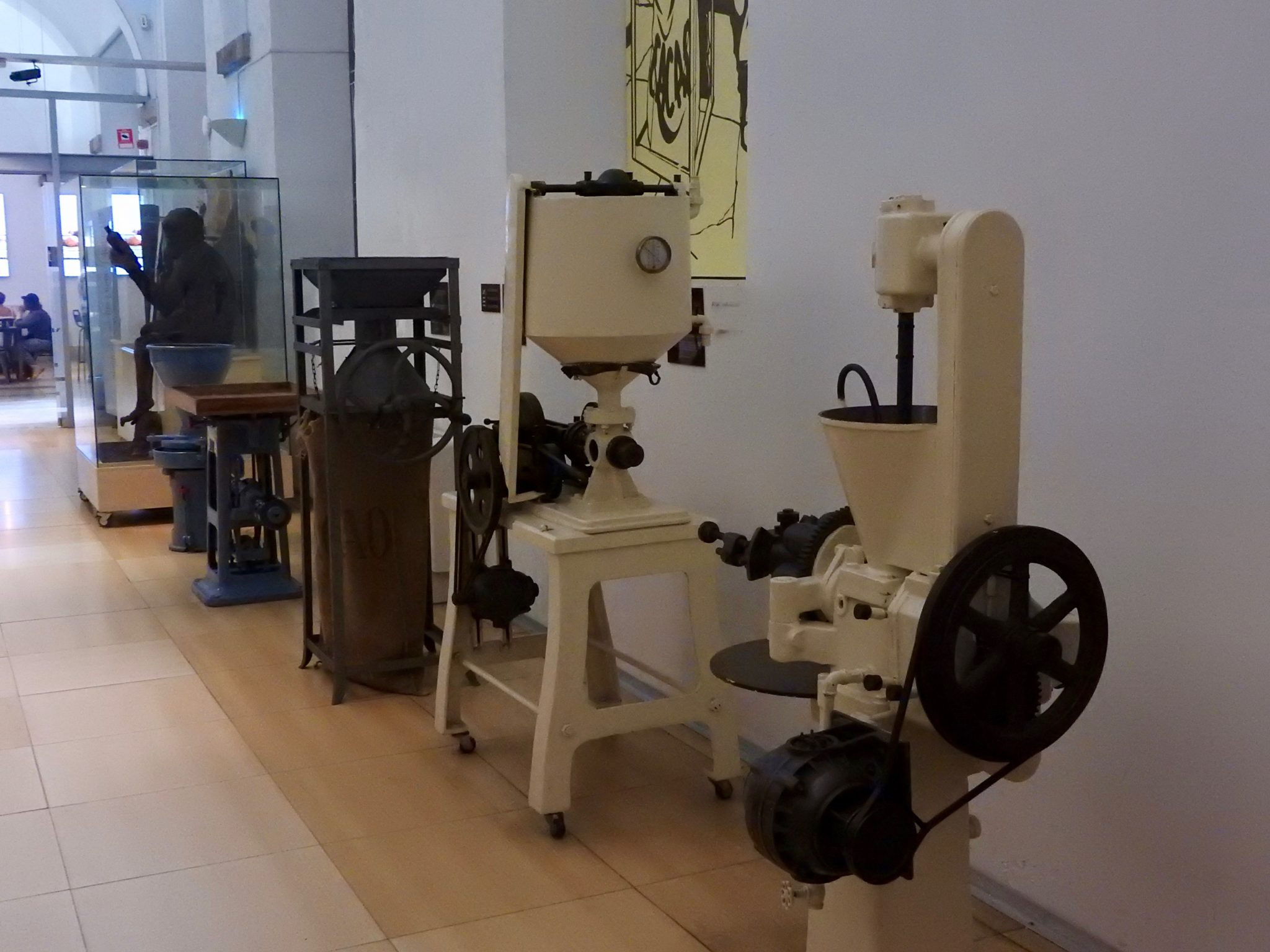 early chocolate production equipment